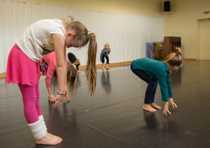 Danse à partir de 8 ans au Conservatoire des Coëvrons