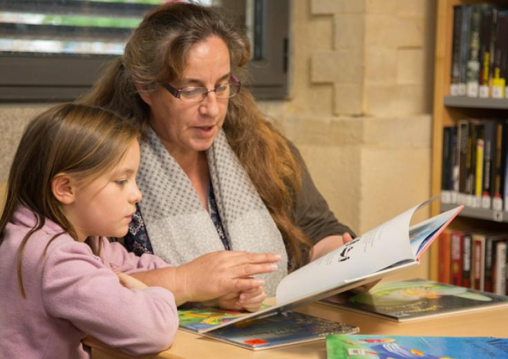 Emprunter avec une carte individuelle dans les bibliothèques / médiathèques