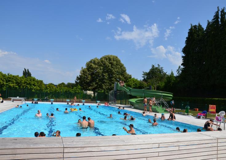 La piscine de Bais dans les Coëvrons en Mayenne