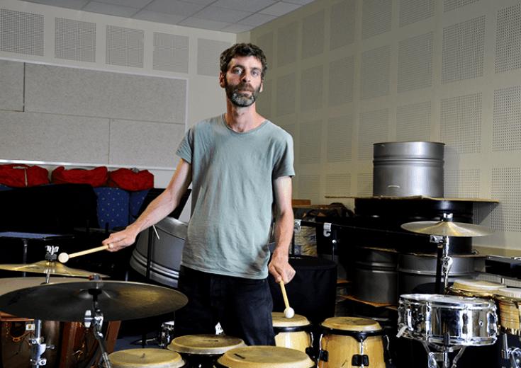 Professeur de percussions au pôle culturel des Coêvrons