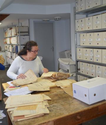 Elisabeth Dupleix archiviste des Coëvrons