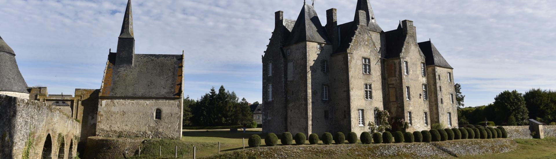 Le château de Bourgon à Montourtier