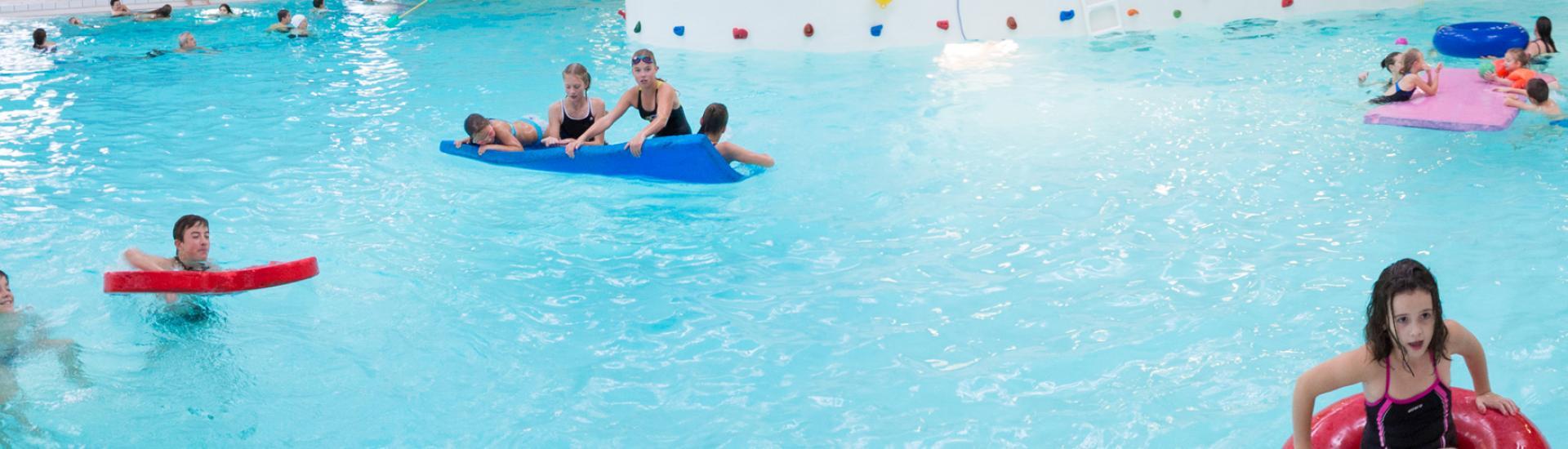 le jardin aquatique à Evron, piscine des Coëvrons