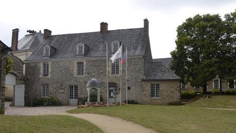 Bibliothèque de Sainte-Suzanne-Chammes