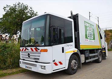 Collecte des déchets : camion de ramassage