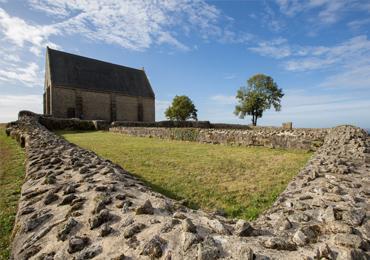 La chapelle du Montaigu dans les Coëvrons